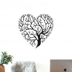 Ağaçtan Oluşan Kalp Duvar...